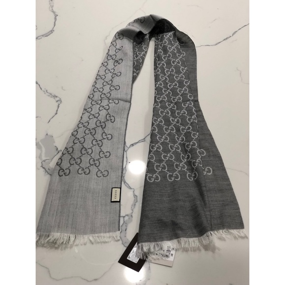 b4eac8ccbf8 Gucci Scarf   Wrap - New with Tags Retail